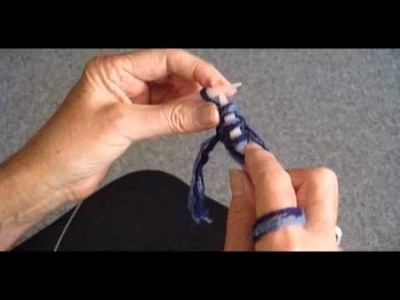 KNIT A POINTED EDGE SCARF