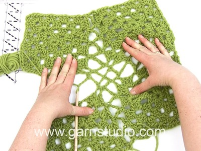 DROPS Crocheting Tutorial: How to work squares together in a blanket.