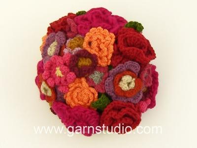 DROPS Tutorial: How to make a flower bouquet in wool yarn.
