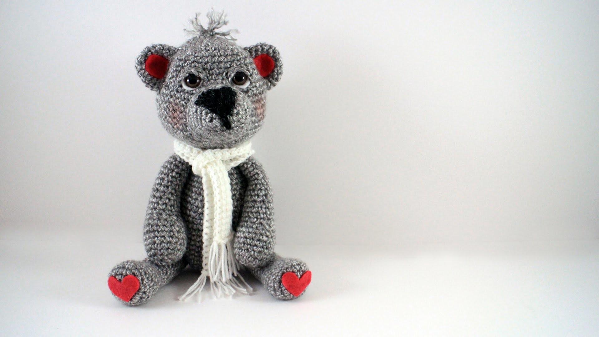 How to Crochet a Teddy Bear Left Handed Video 1