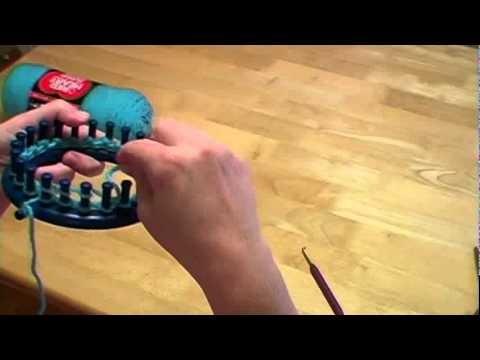 Knitting a Loom Hat with Pom-pom Part I