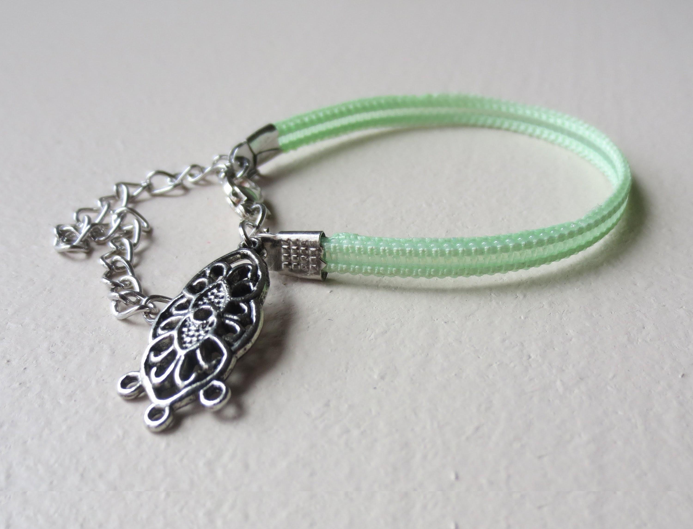 DIY - Zip Bracelet (recycled)