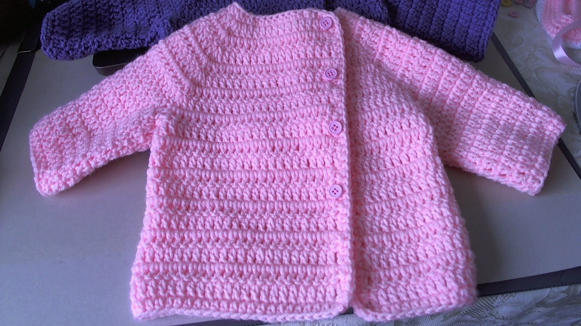 Easy Crochet Baby Sweater - Asian inspired sweater. tambien en Espanol, Suete de bebe