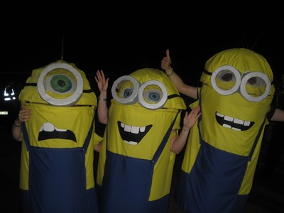 (FAST video): DIY - How to make a Minion costume (Halloween fancy dress costume from Despicable Me)
