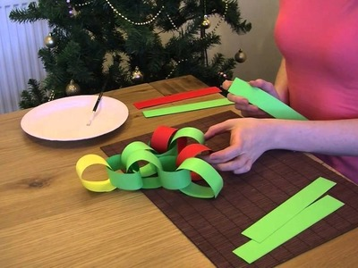 How to: make a paper chain Christmas tree