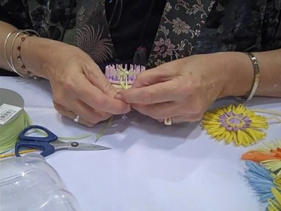 How to Use a Loom To Create a Raffia Flower
