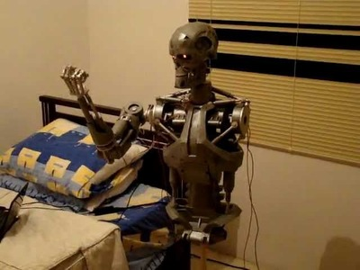 Terminator robot animatronic modeloT-800 parte 1