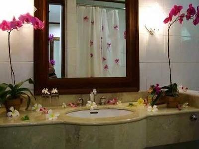 Small Bathroom Decor Ideas | DIY Small Bathroom Decor