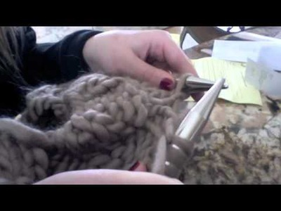 How to knit a cowl