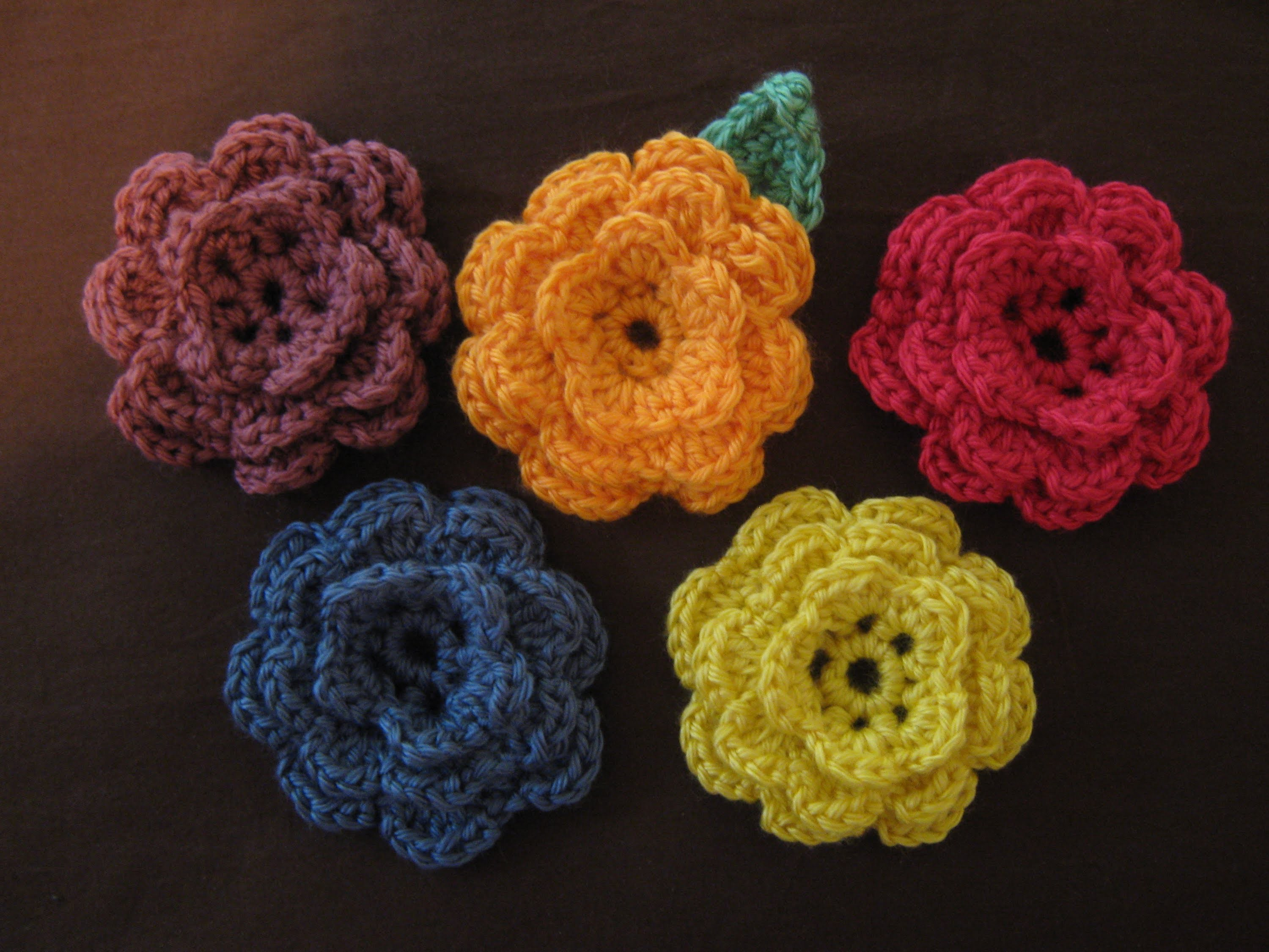 How to make a crocheted flower, part 3