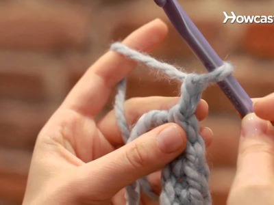 How to Turn at the End of a Stitch Row | Crocheting