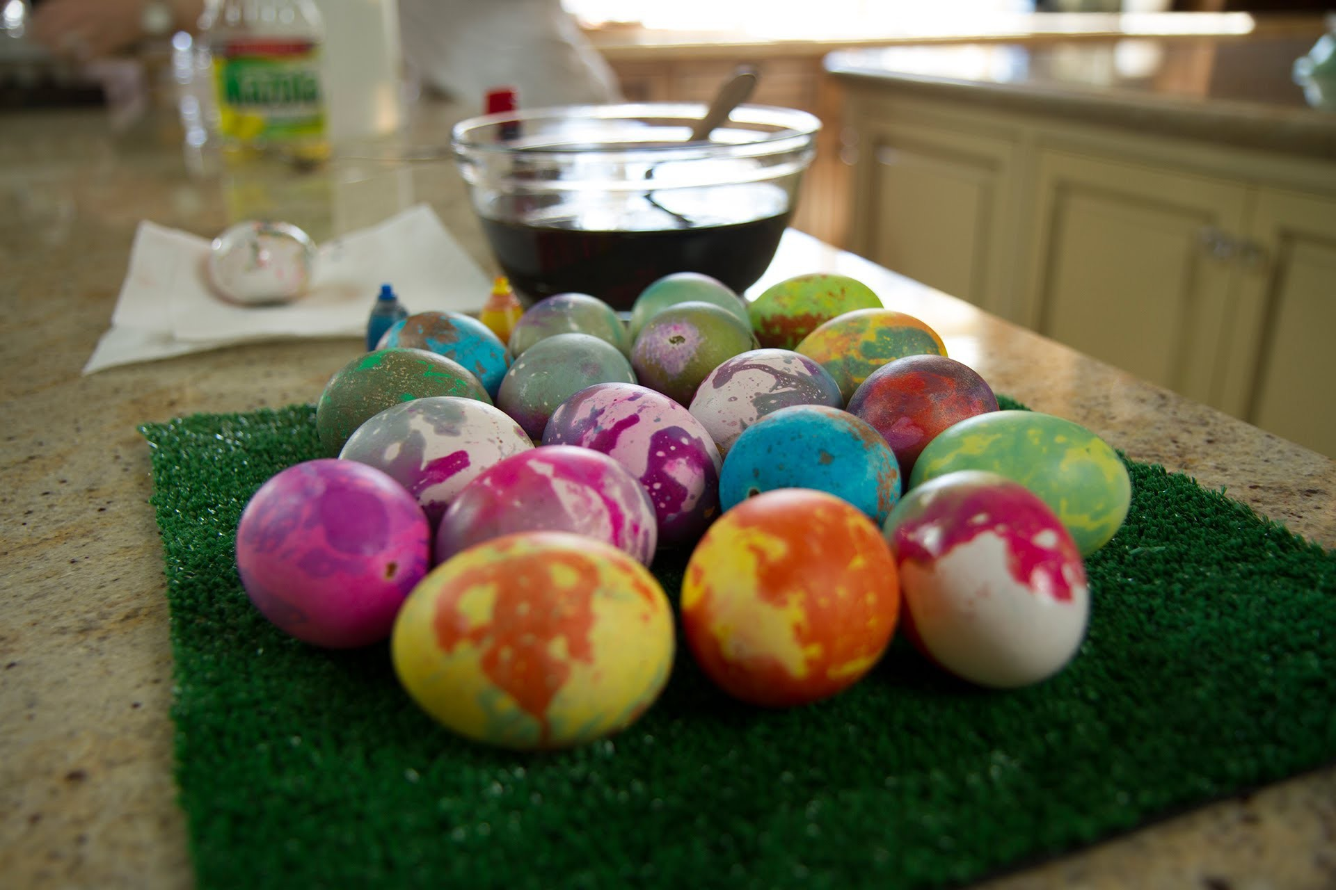 Tie-Dye Easter Eggs - Let's Craft with ModernMom