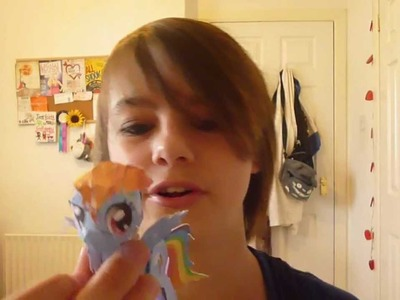 Heather Makes a Papercraft Pony :D