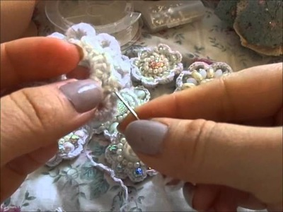 Crochet Beaded Flower Brooch - Tutorial