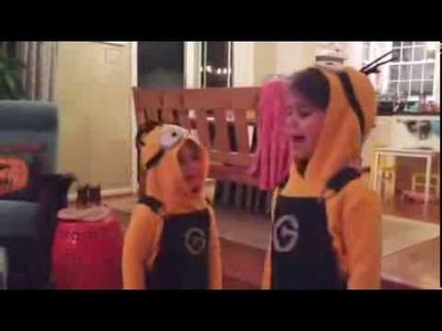 DIY Kid's Minion Halloween Costume:: Banana Song