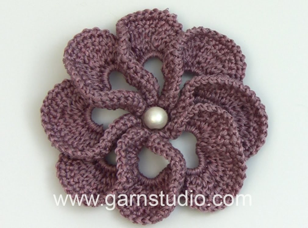 DROPS Crocheting Tutorial: How to work a beautiful flower with 3D effect