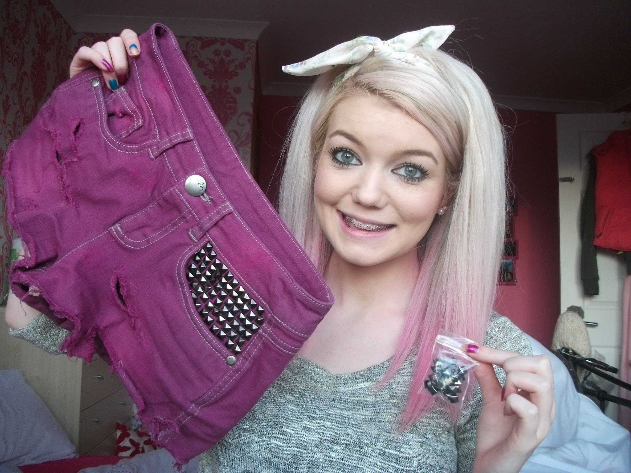 DIY how to stud denim.shorts