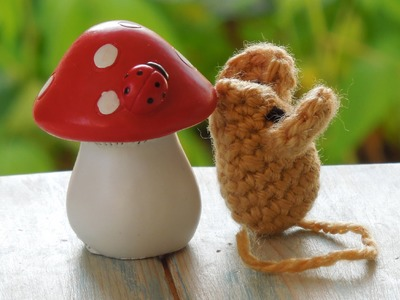(crochet) How To - Crochet a Small Mouse - Yarn Scrap Friday