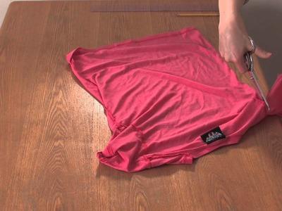 How to Cut a T-Shirt Into a Sleeveless Shirt for Girls : DIY Shirt Designs