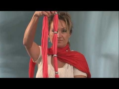 How to Tie a Pendant Scarf