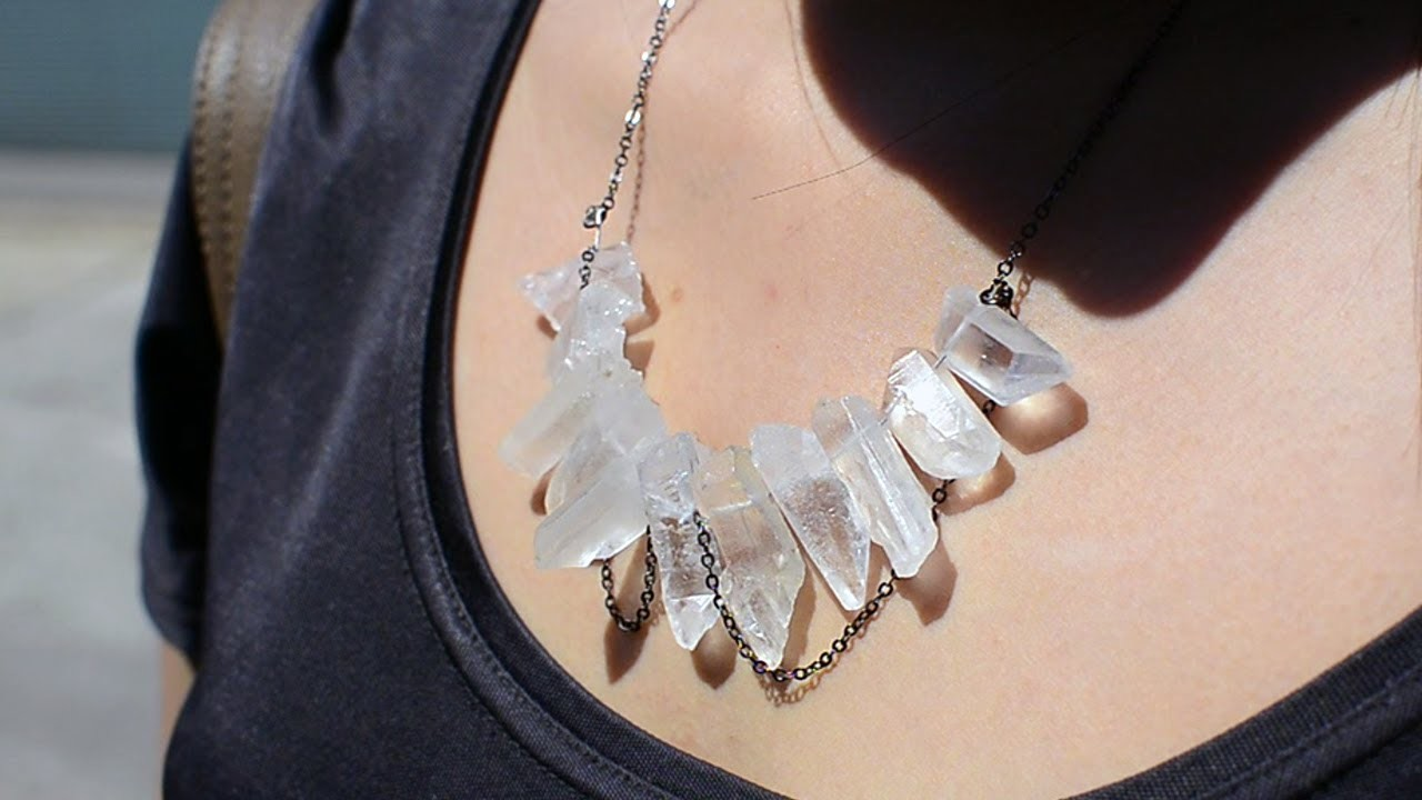 ✂ DIY Raw Crystal Necklace