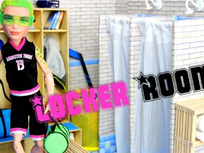 How to Make a Doll Locker Room | plus Fun Finds - Doll Crafts