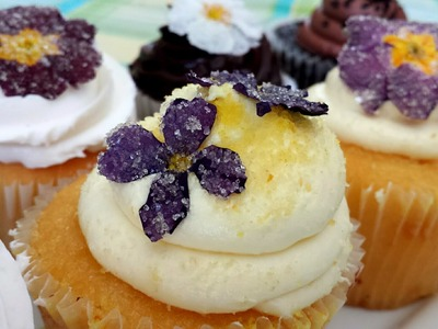 DIY Crystallized Edible Flowers for Cakes, Cupcakes and Desserts