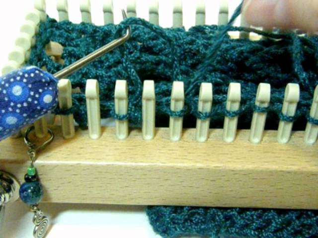 Chain Lace Stitch on a Knitting Loom!