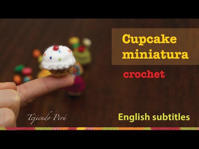 Mini tutorial 9: Cupcakes miniatura tejidos a crochet. English subtitles: crochet mini cupcakes