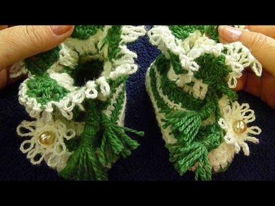 Пинетки теплые для новорожденного малыша, связанные крючком. Crochet baby's booties.