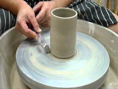 Wheel throwing for beginners 4.4 - Clay Craft Malaysia