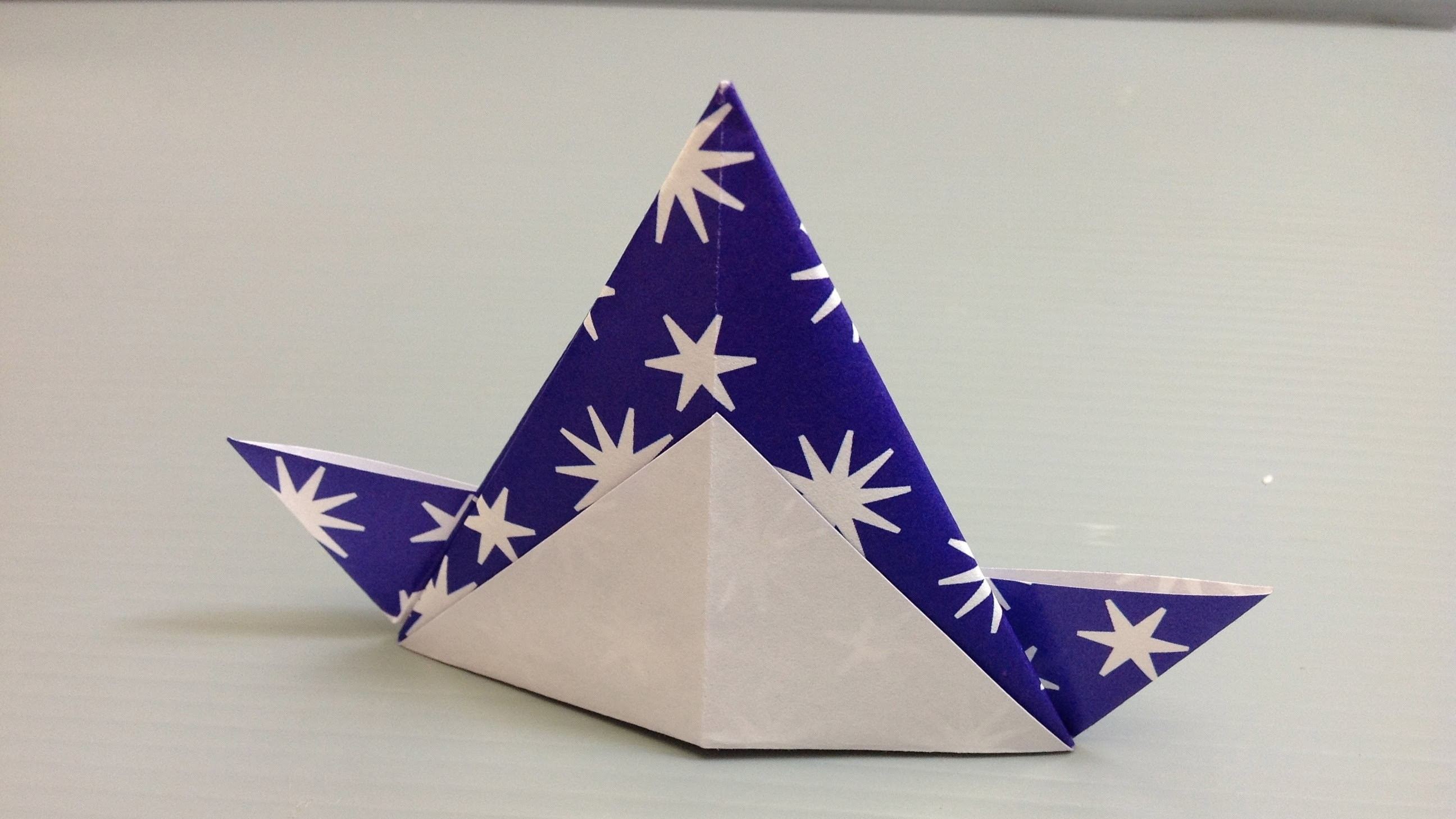 Free Origami Paper - Print Your Own! - White Stars Pattern