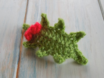 (crochet) How To Crochet a Holly Leaf with Berries - Yarn Scrap Friday