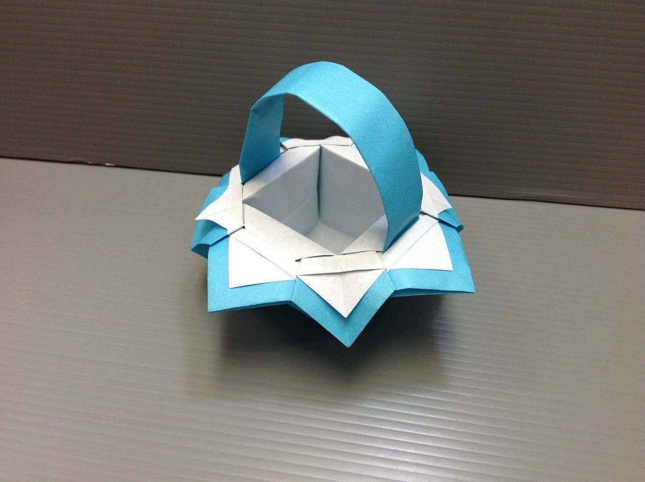 Daily Origami: 112 - Fancy Basket