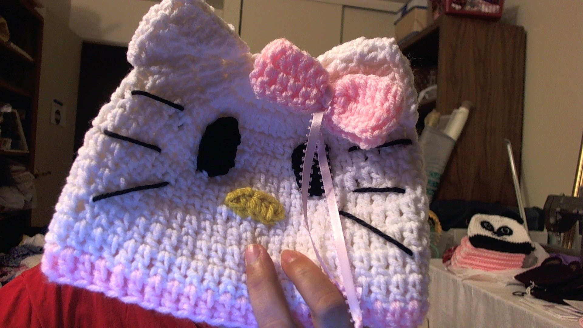 "How to crochet beanie inspired by ""Hello Kitty"" beanie - video two"