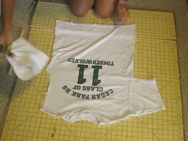 DIY| How to Make a T-shirt into Halter Top