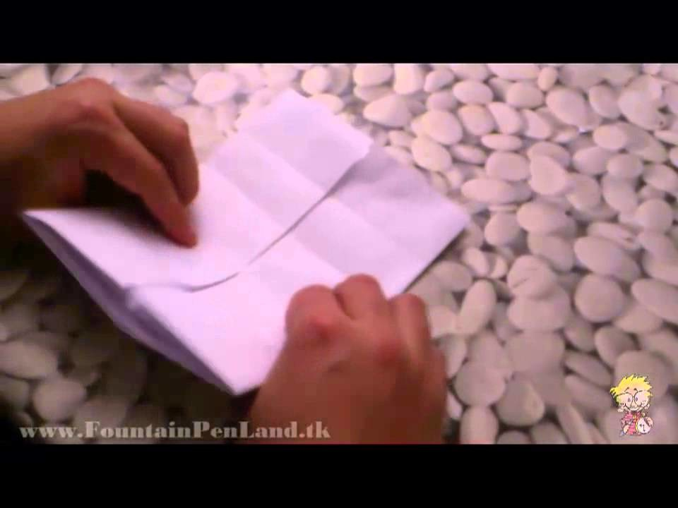 DIY: Fold a sheet of paper in an envelope with 19th Century Style