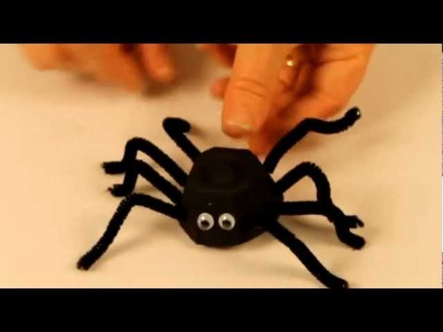 Halloween craft ideas: spider craft with egg carton