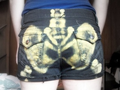 Tutorial | DIY Bleach Skeleton Shorts