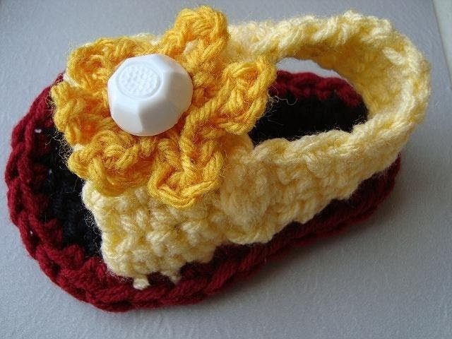 CROCHET BABY SANDALS, STYLE # 2.