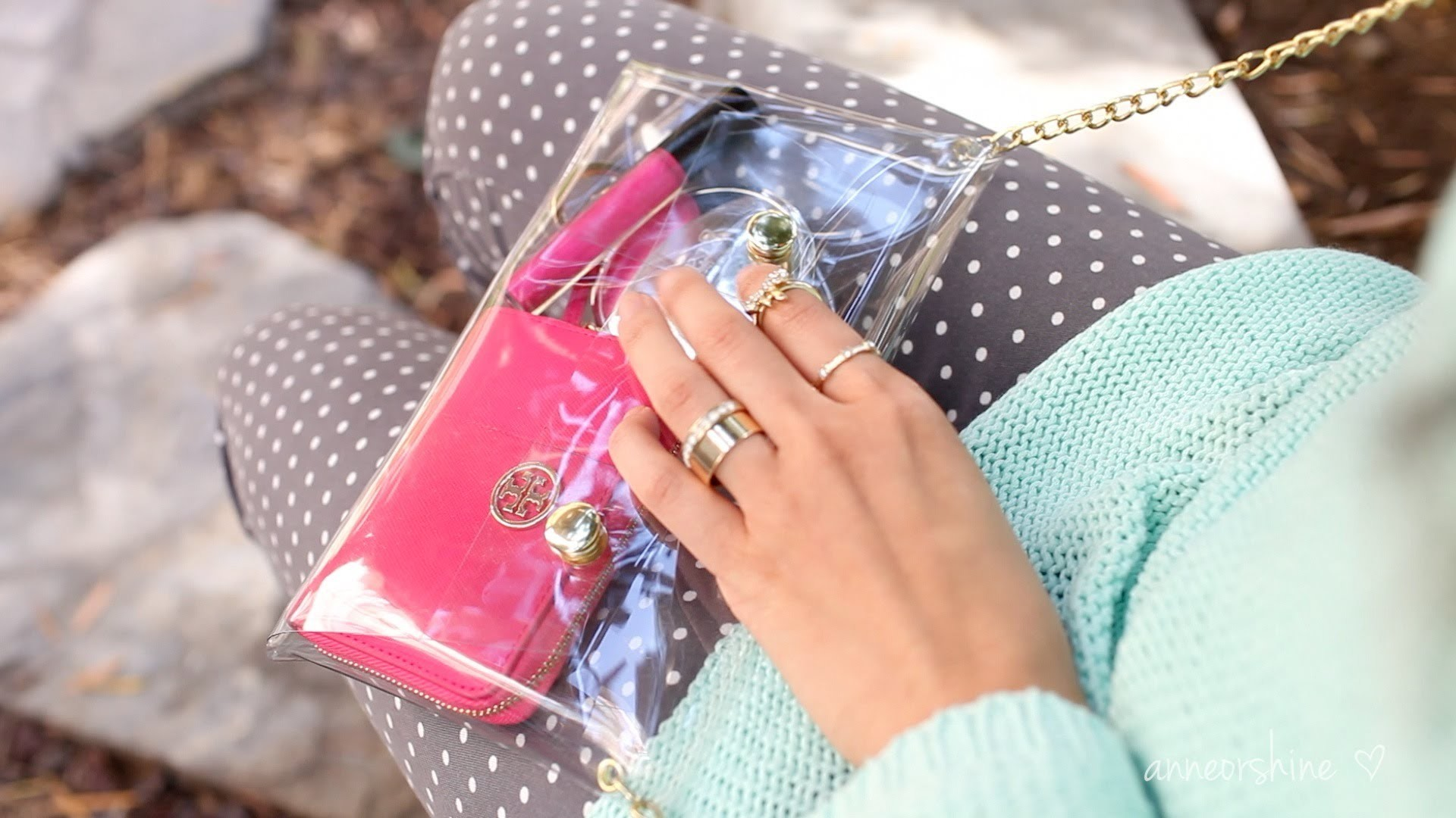 DIY Accessories: How to Make a Cute Clear Crossbody Clutch | ANNEORSHINE