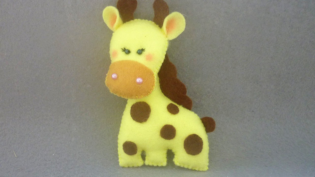 Make a Glamorous a Girl Giraffe - DIY Crafts - Guidecentral