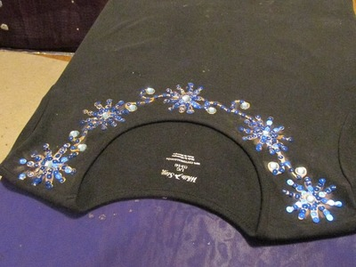 DIY: T-SHIRT DECORATIONS, BLACK T_SHIRT WITH BLUE SEQUINS.