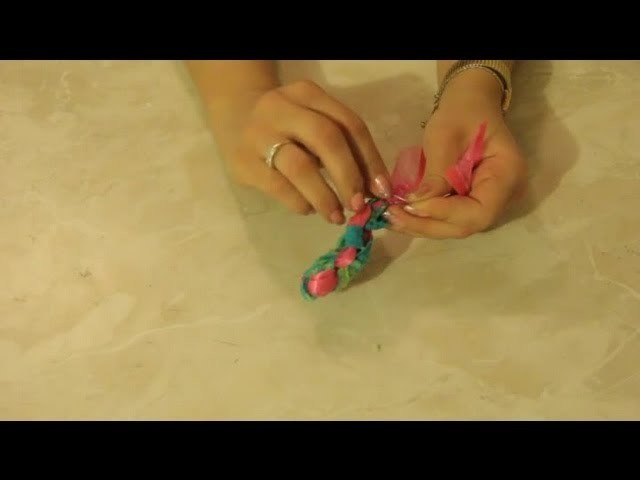 How to Do a Diamond Lanyard Braid With Craft Lace : Arts & Crafts Projects