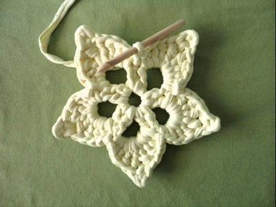 Teje una flor de ganchillo, how to crochet a flower coaster