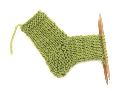 DROPS Knitting Tutorial: How to work heel