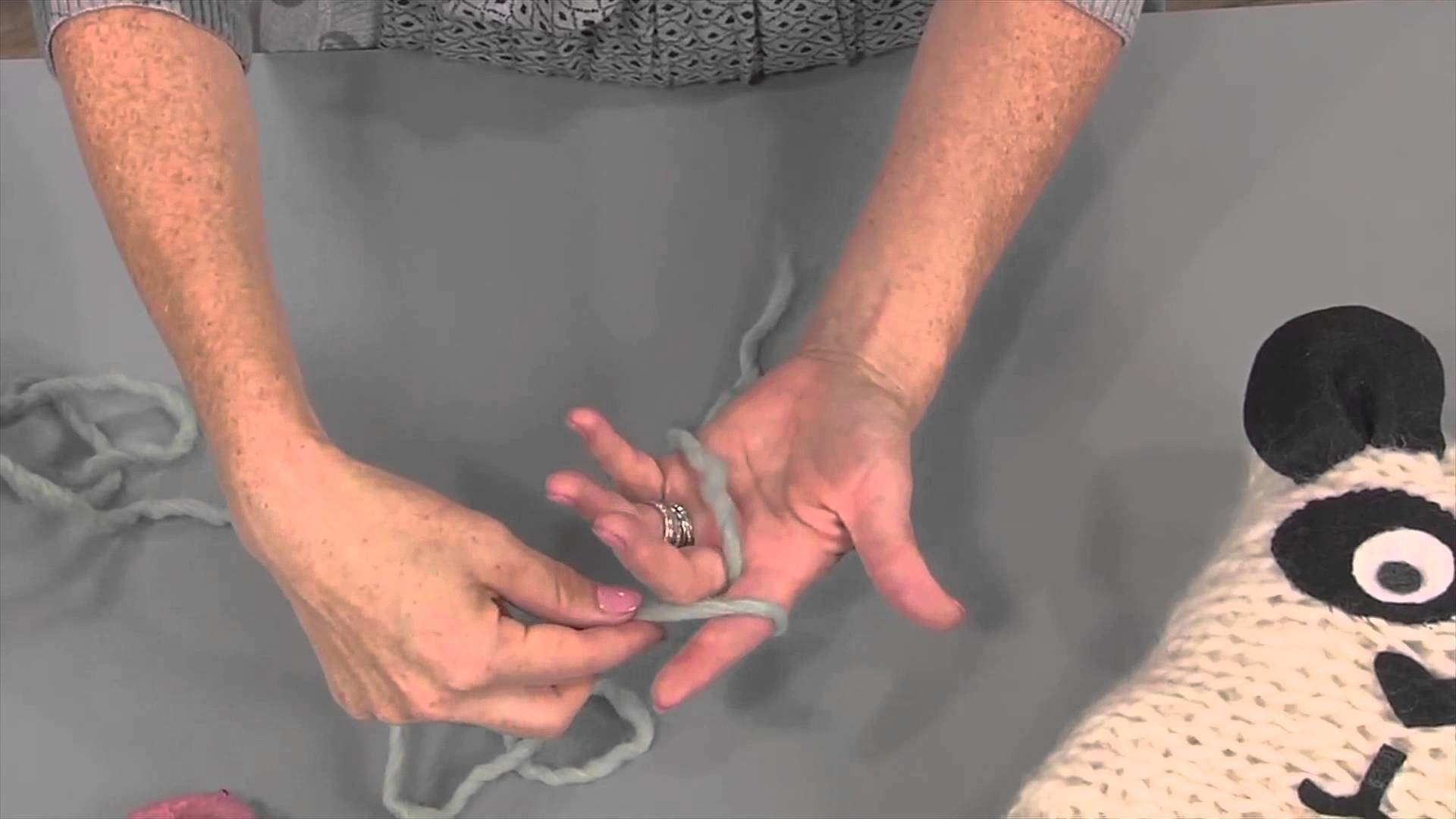 Learn Finger Knitting with Vickie Howell, from Knitting Daily TV Episode 1408