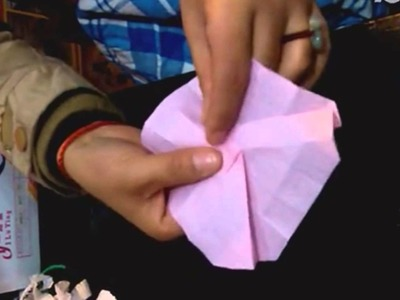 Origami hacer flores de papel para regalo, To learn origami flowers for gifts,