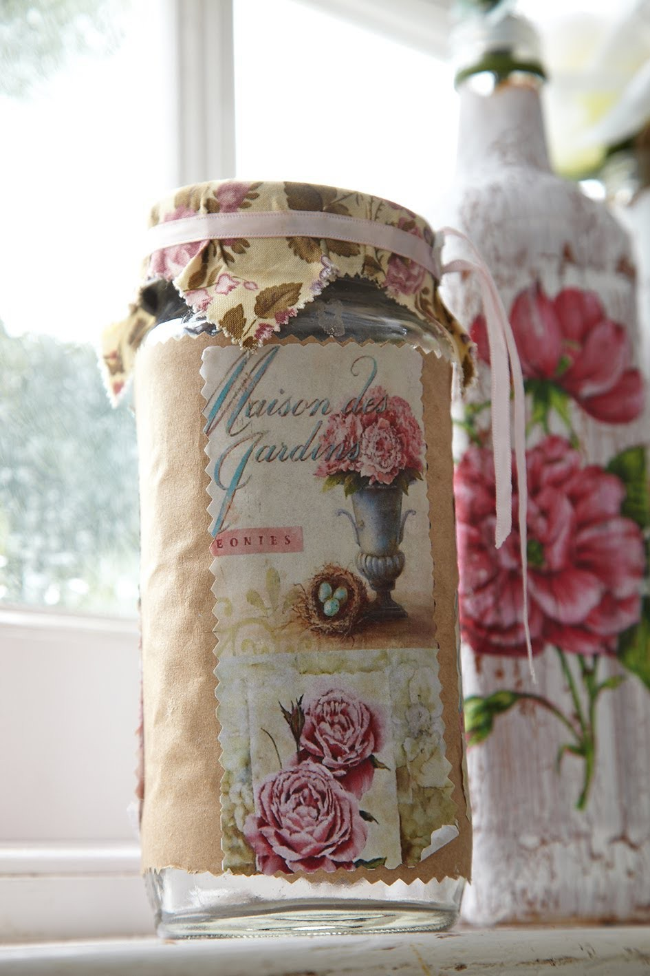 DIY: Reciclar frascos de vidro com papel craft