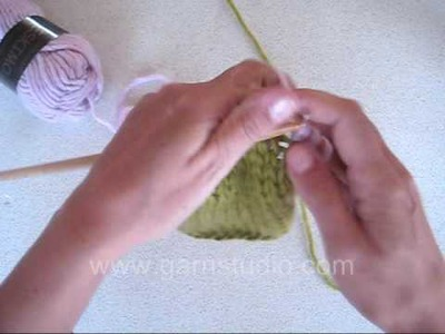 DROPS Knitting Tutorial: How to change to another color or yarn